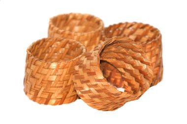 Serviettenringe aus Bambus und Rattan